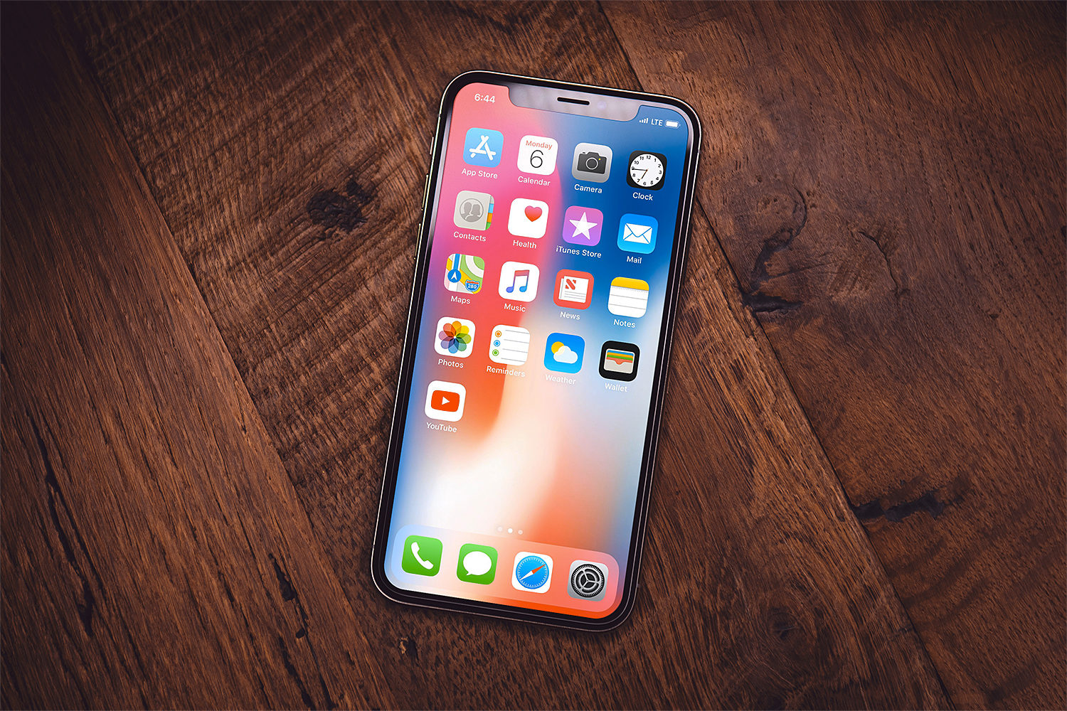 Free iPhone X PSD Mockups