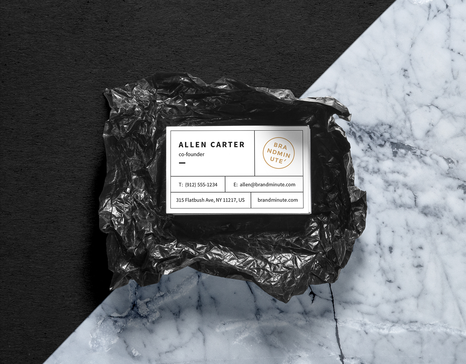 Realistic Business Cards Mock-Up